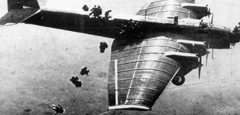 Paracaidistas soviéticos