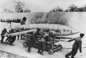 V1 siendo transportada a la rampa de lanzamiento