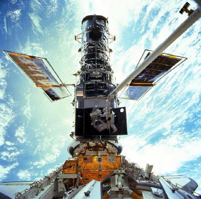 Reparando el Hubble porque salió miope