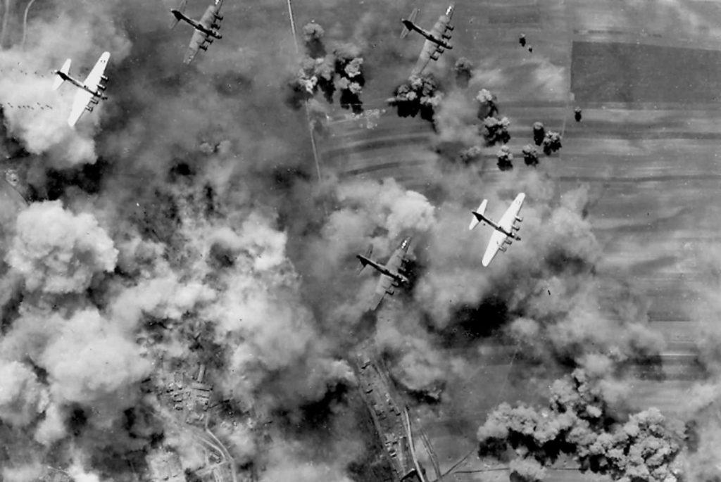 B17 bombardeando cerca de Viena en la II Guerra Mundial