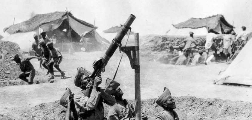 Soldados indios defendiéndose durante el sitio de Kut
