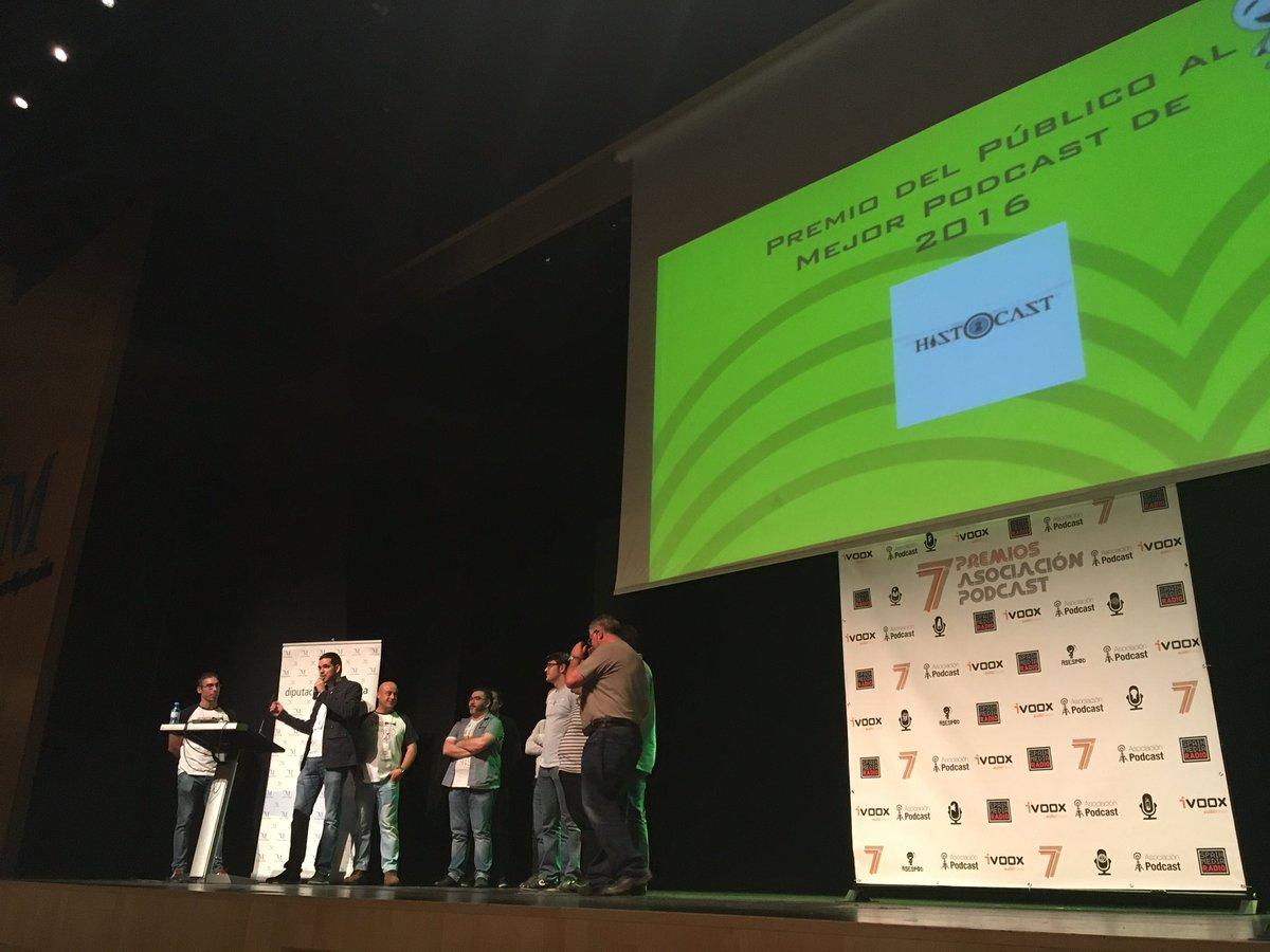 Entrega del premio del público al Mejor Podcast 2016 de ASESPOD
