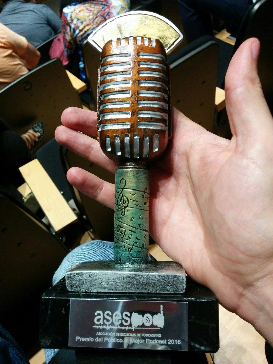 Galardón del premio del público al Mejor Podcast 2016