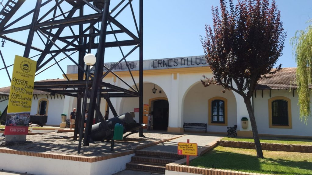 Entrada principal al museo minero de Riotinto