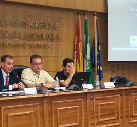 Ignacio Fuente Cobo en la conferencia en la UGR
